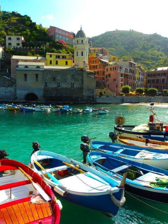 Cinque Terre, Italia- it seems like a lifetime ago I was once there! Bella vista!