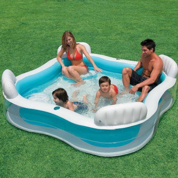 Découvrez notre piscine gonflable familiale avec sièges Intex! Piscines-gonflables.com, votre spécialiste de la piscine autoportée et tubulaire.