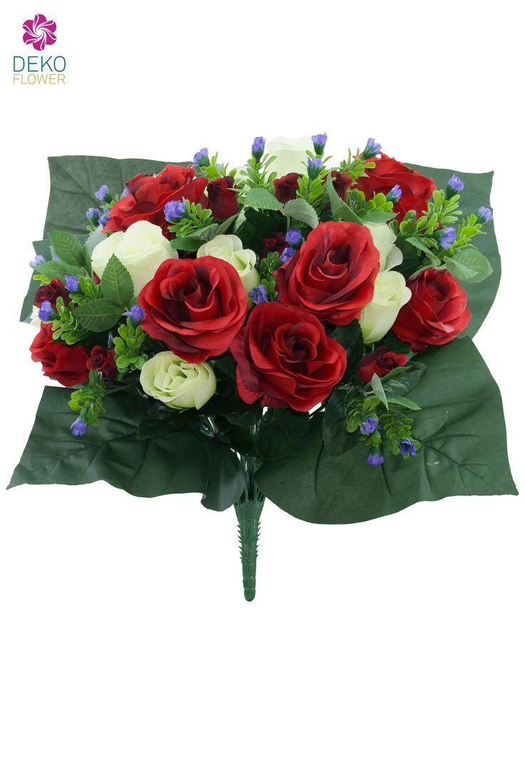 Prächtig farbenfroher Kunstblumenstrauß mit zahlreichen weit offenen Rosen, halb geöffneten Blüten und vielen Knospen in rot und creme.  Das kontrastreiche Beiwerk aus blauen und grünen Blüten und Blättern rundet das Farbspiel perfekt ab