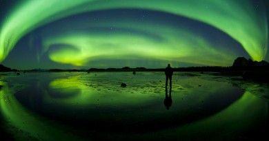 Auroras boreales y un meteoro desde Territorios del Noroeste, Canadá | El Universo Hoy