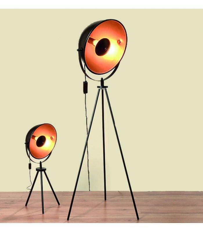 http://www.wadiga.com/lampadaires/2311-lampadaire-trepied-en-metal-noir-cinema-haut-160cm-4020606002150.html?codesf=4624704461 Plus