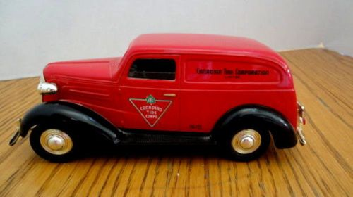 Chevy-Van-1937-Canadian-Tire-Collectible-Van-No-2-complete-with-key-Bank