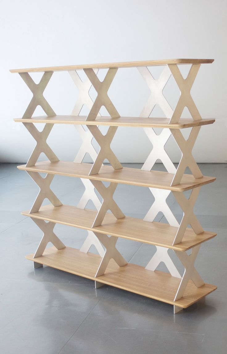 1010 Shelf System, finition aluminium et chêne www.pierrefurnemont.com #étagère #shelf #shelfsystem #bibliothèque #mobilier #meuble #furniture