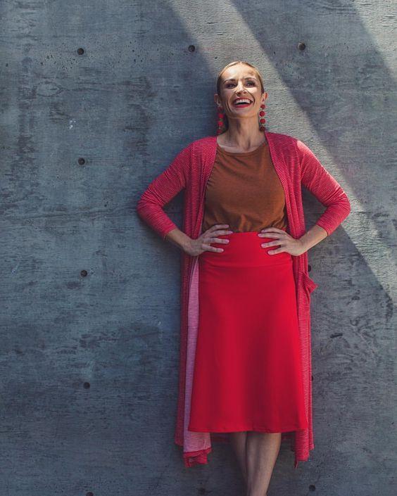 Azure Skirt | GiGi Top | Sarah Cardigan | #LuLaRoe Click on the photo to shop! #lularoesarah #lularoeazure #lularoegigi #womensfashion #cardigan #skirt #springfashion #summerstyle