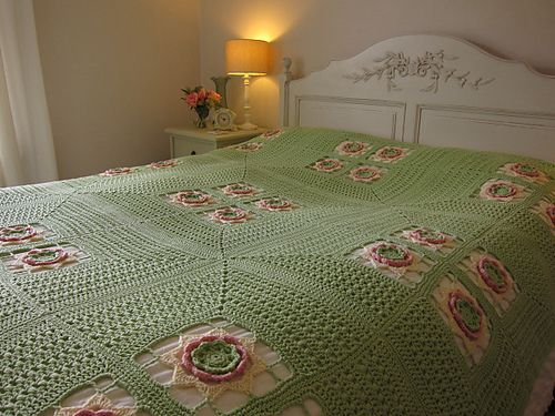 "This ""Irish Rose Afghan"" is gorgeous...pattern by Leonie Morgan available to buy."