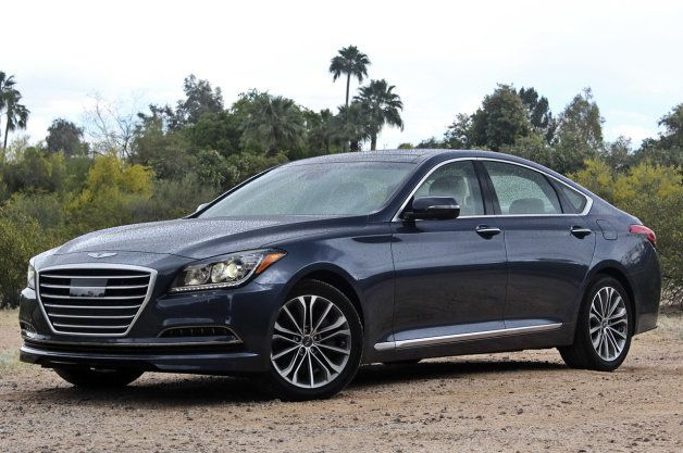 2015 Hyundai Genesis automatically slows for speed cameras
