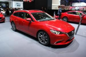 The Mazda 6 has gained some subtle revisions are visible on the front grille and rear lights & cluster.