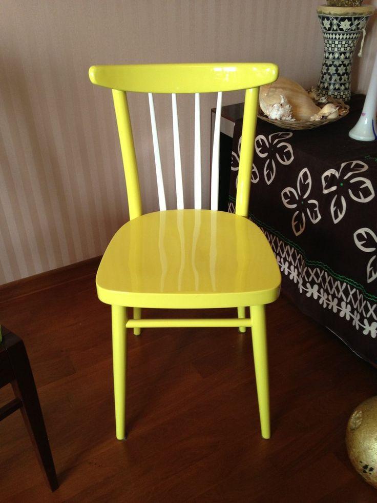 Венский стул начала 20 века. Отреставрирован в 2014 году Сергеем Максименко в желто-лимонно цвете.