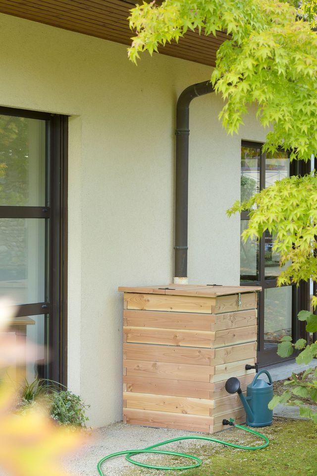 La récupération des eaux de pluie est un système simple et pratique qui vous permet de nombreuses économies dans le jardin.