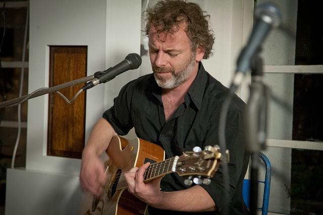 Vincent van Baarsel verzorgde de improvisaties op gitaar tijdens het InspiratiePodium #11