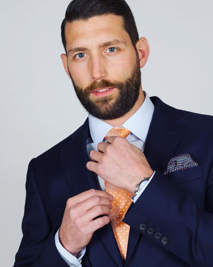 Ready for Spring in the Fine Blue Stripe shirt #stylemens #navy #suit #stripedshirt #stripe