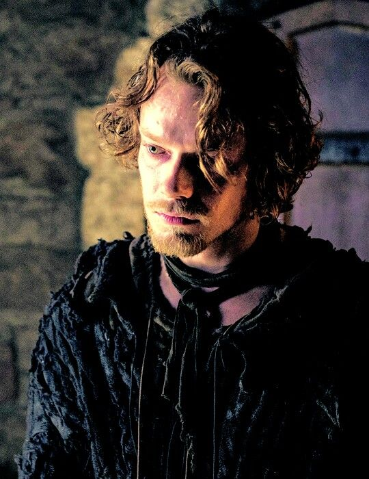 Alfie's such a great actor! He seriously is one of the best in GoT imo. Alongside with Charles Dance, Lena Headey and Jack Gleeson [all Lannisters :P That's because even if I love more other characters like Sansa, Oberyn and Jorah I don't know how my love would affect my judgement of the acting whereas the Lannisters (minus Tyrion) were meant for us to hate but when I behold them on screen, I can't help but love them and think of no one else in that place]