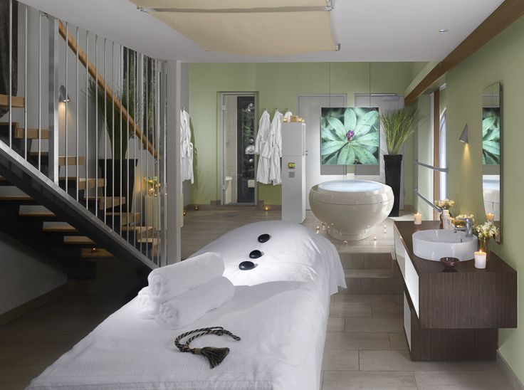 """The ethos of Farnham Estate Health Spa is to seduce people into good health with practical and effective ways, to teach as well as treat. In addition to beauty and pampering programmes, the Health Spa aims to assist guests to """"take a little away"""". Farnham Estate Cavan has a range of spa treatments available to you."""
