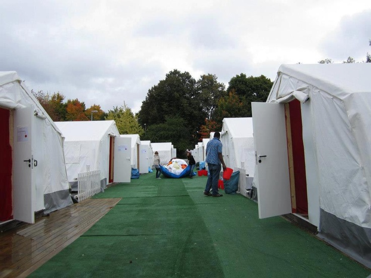 6 and 12 sleeper dorm rooms - Hostival festival accommodation