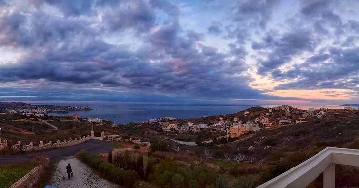 Σύννεφα του γιαλού  #crete #incrediblecrete #sunset #mysticcrete #cretanlandscape #greece #visitcrete #cloud #colours #instagood #instamood #picoftheday #sea