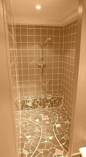 comment nettoyer les joints de douche astuce astuces. Black Bedroom Furniture Sets. Home Design Ideas