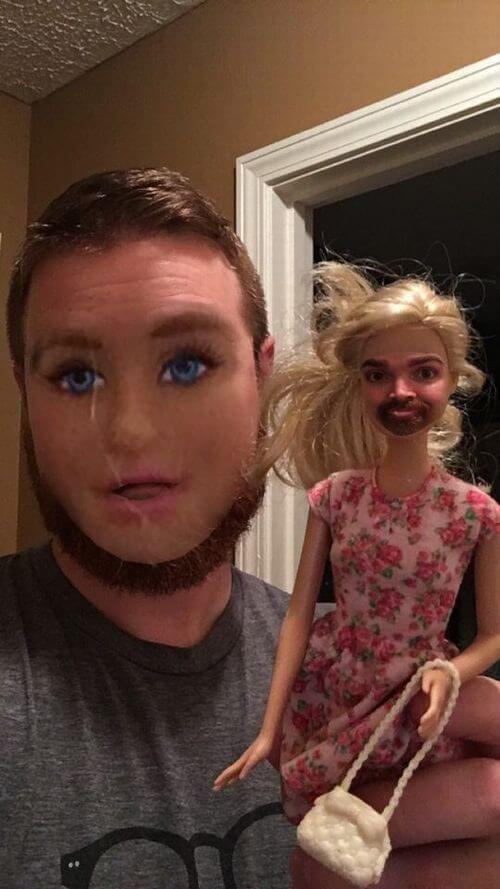 思ってたのと違う!(笑)顔交換アプリで遊んでいたら、トンデモ写真に仕上がった8枚 | COROBUZZ