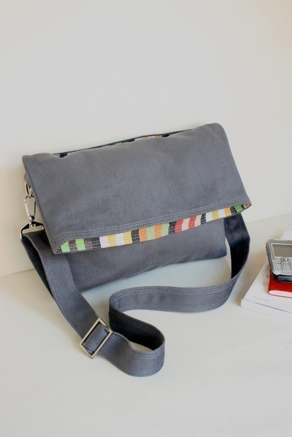 Beverly in grey - flap top messenger US$39    Awesome, awesome bag =D