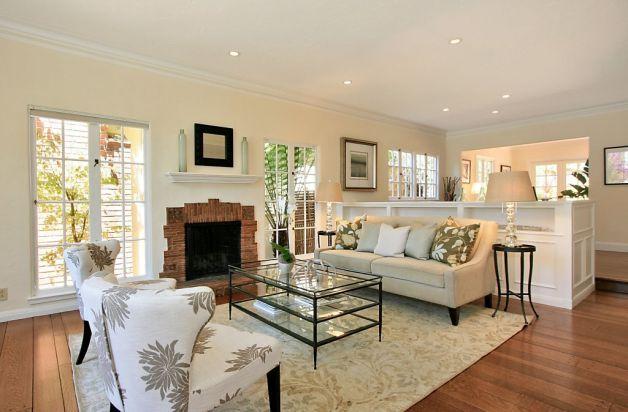 Updated Tudor In Rockridge With Hot Tub Apartment Living