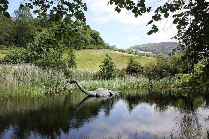 Loch Ness Canavarı, Loch Ness Monster, Nessie,Niseag, Loch Ness,Scottish Highlands, İskoçya, Loch Nis, Loch Ness Canavarı Söylencesi, efsane, yaratık, canavar, söylence, efsane, mitoloji, Mhorag, Loch Morar, hayali canavar, lake monsters, göl, göl canavarı, hoaxes, wishful thinking,monster