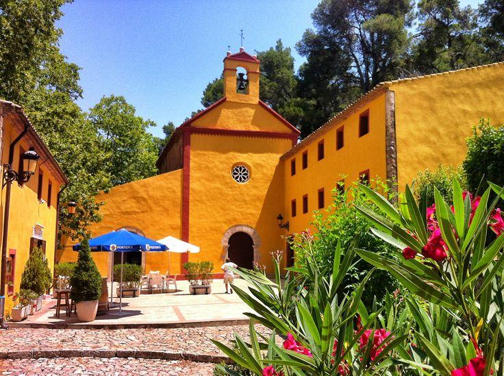Exterior del Santuari de l'ermita de Santa Marina