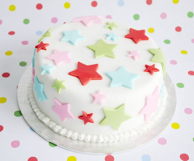 Cath Kidston cake.....made this in Xmas colours.