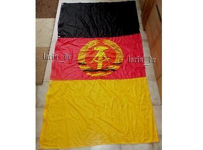East german Flag from the eighties GDR DDR Drapeau de l'Allemagne de l'est RDA