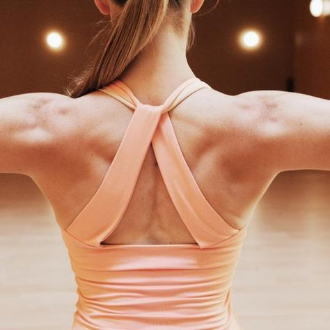 The traps make up the largest portion of middle to upper back musculature.