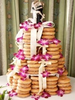 Donut wedding cake! @Melissa Brown Rogers