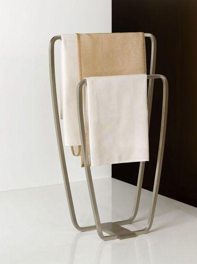 75 best accessori arredo bagno images on pinterest gold bathrooms and litter box - Piantana portasalviette bagno ...