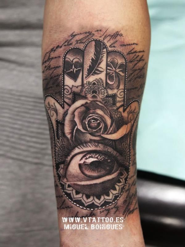Tatuaje realismo mano de Fátima a Bruno Zuculini - Miguel Bohigues - V Tattoo