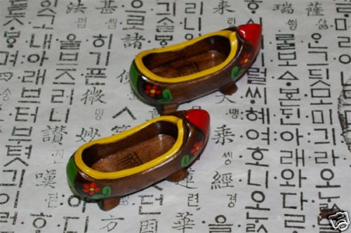 korean wooden clogs