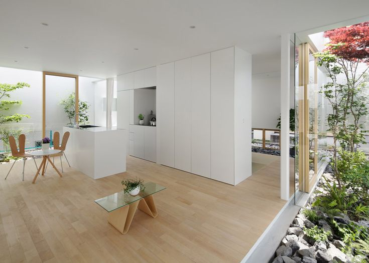 5 modern Japanese houses without windows: Green Edge House by mA-style Architects - Japanese Design