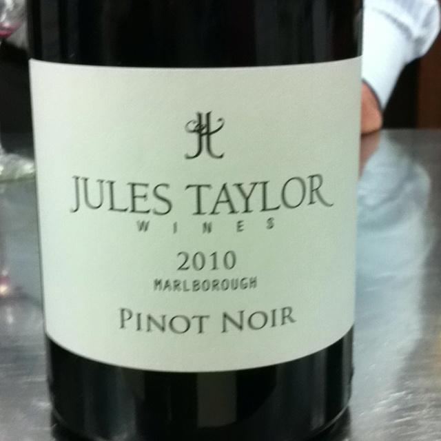 2010 Jules Taylor Pinot noir
