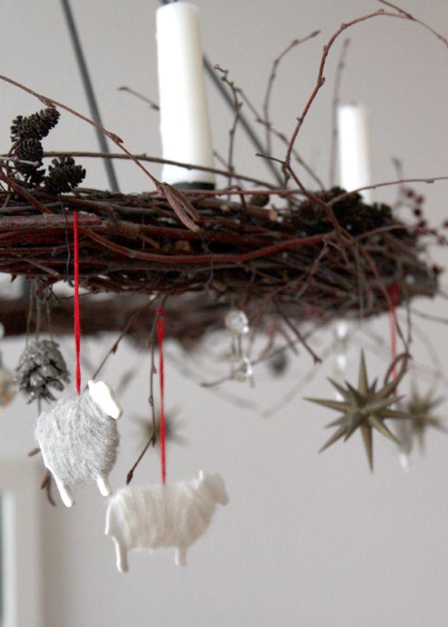 Weihnachten Dekoration, Porzellan Schaf Anhänger // christmas decoration, porcelain sheep pendant via DaWanda.com