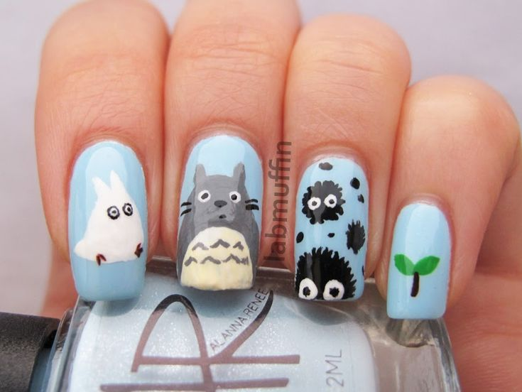 O M to the G I'm freaking out over how cute My Neighbor Totoro nails are!