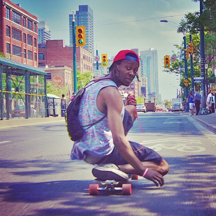 Blocka skating south on Spadina