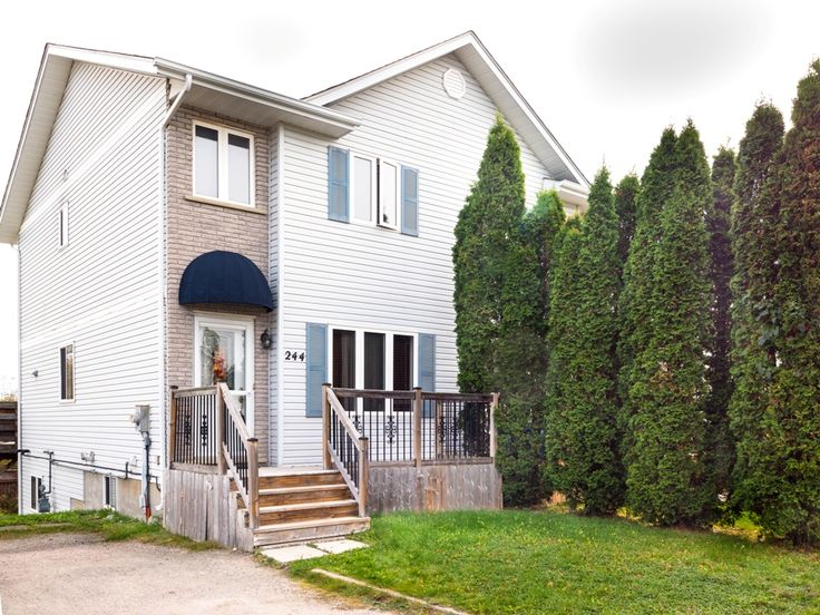 Call the Chris Penny Team at 705-470-3444 or visit http://www.sudburyhomesearch.ca/listing/2050190-244-benita-boulevard-sudbury-ontario-p3a5z5/ to view this 2 bed, 1.5 bath Semi in New Sudbury!