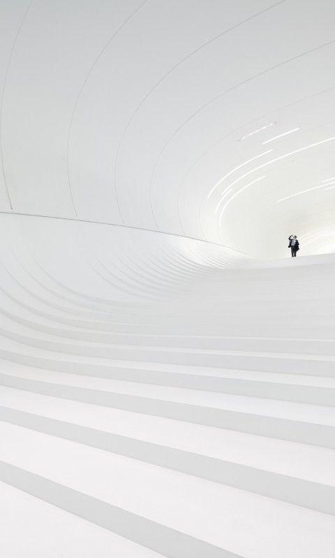 Heydar Aliyev Centre / Zaha Hadid Architects. Image © Hufton + Crow