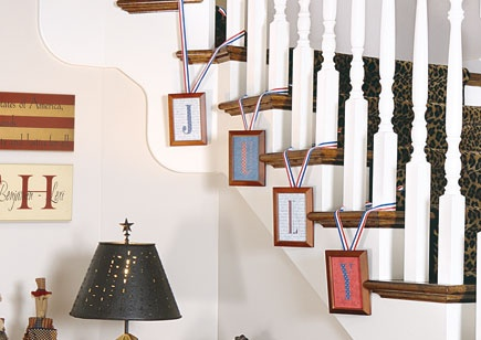 Cut seasonal words, such as the month or an upcoming holiday, out of patterned paper. Mount letters on coordinating paper, frame them, and attach them to stairs or knobs with ribbon. Find more great decorating secrets in every issue of Country Sampler. Order your subscription here: https://ssl.drgnetwork.com/ecom/csl/app/live/subscriptions?org=csl&publ=CS&key_code=EYJCS02&source=pinterest: Cut Seasons, Paper Frames, Crafts Ideas, Christmas Pictures, Mount Letters, Attached, Upcom Holidays, Patterns Paper, Coordinating Paper