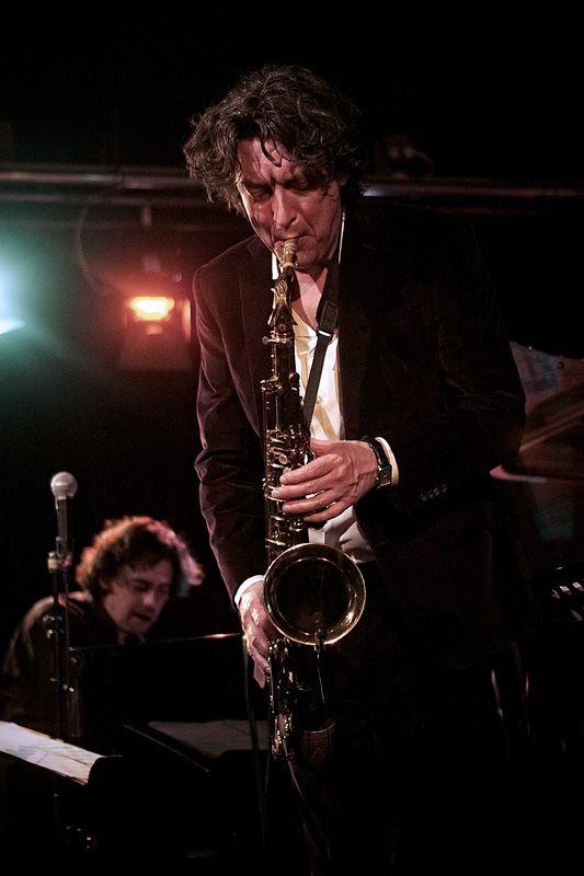 Yuri Honings verlangen groots en meeslepend - Jazzenzo
