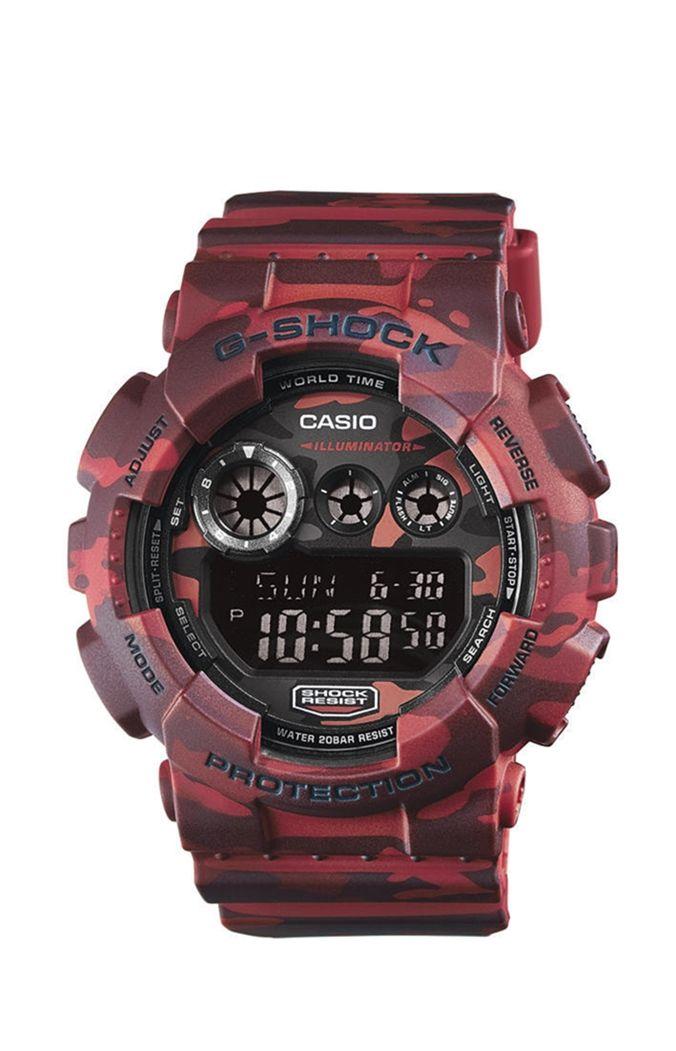 Casio G-Shock GD-120CM-4ER férfi karóra. Különleges külsővel rendelkezik, sportos megjelenést ad. Kényelmes viselet a műanyag szíjnak köszönhetően. Mai kornak megfelelően elemes óraszerkezettel rendelkezik. Extrém vízállósággal készültek ezért a karóra könnyű búvárkodásra is alkalmas. KATTINTS IDE!
