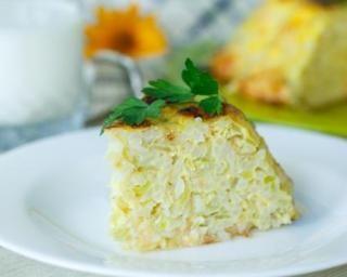 Bowl cake courgettes et fromage à l'ail et aux fines herbes : http://www.fourchette-et-bikini.fr/recettes/recettes-minceur/bowl-cake-courgettes-et-fromage-a-lail-et-aux-fines-herbes.html