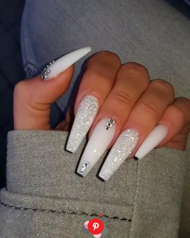 15 Glam Ideas For Ombre Nails White Acrylic Nails Best Acrylic Nails Long Acrylic Nail In 2020 Best Acrylic Nails Nails Design With Rhinestones White Acrylic Nails