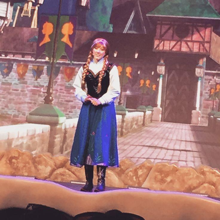 Frozen Sing-along ❄️��⛄️#frozen #elsa #anna #kristoff #olaf #sven #hans #hollywoodstudios #frozensingalong #singalong #disney #disneyworld #disneyshollywoodstudios http://misstagram.com/ipost/1545168986085672318/?code=BVxiwGVlkV-
