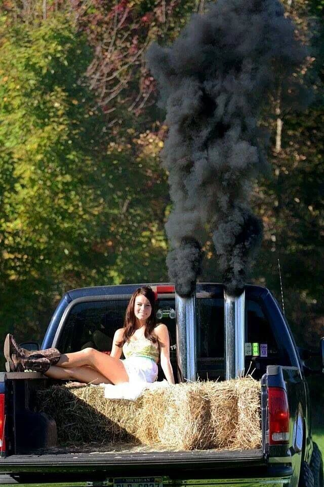 Senior Picture With Her Truck My Kinda Of Woman