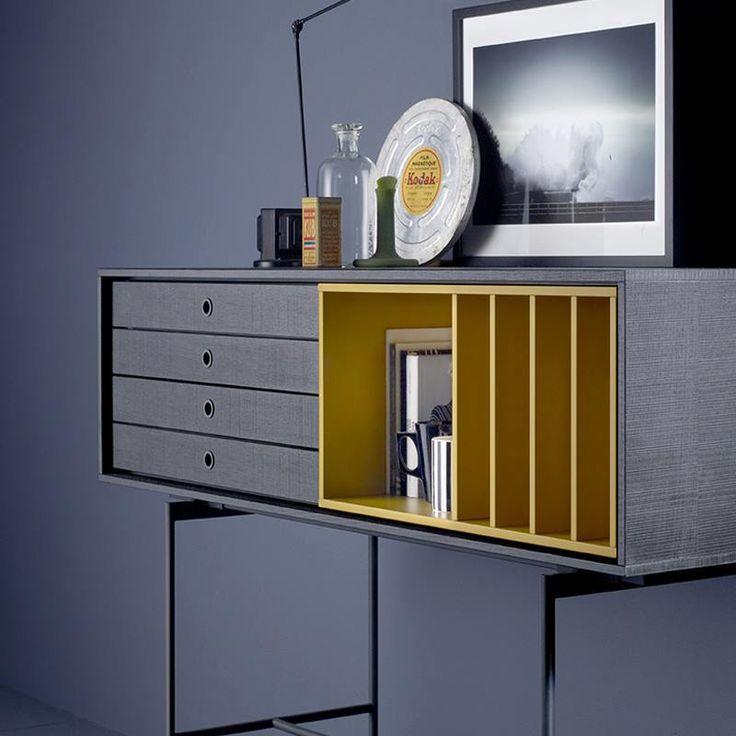O #amarelo é uma cor vibrante, ideal para os dias mais cinzentos e frios. Não surpreende ser uma das cores #tendência deste #outonoinverno . Esta #cor atrai mais luz, otimismo e alegria a cada ambiente no qual se encontra, retirando qualquer sensação de monotonia.  Não hesite em contactar a Baobart em geral@baobart.pt. #baobart #mobiliario #decor #design #atelier #Portugal #designcool #decoraçãointeriores #decoration #interiordesign #instadesign #homedecor #inspiration #yellow