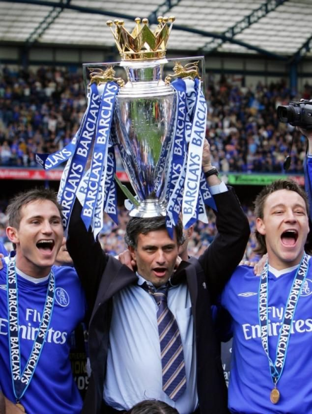 Frank Lampard, Jose Mourinho and John Terry winning the Barclays Premier League!!!!