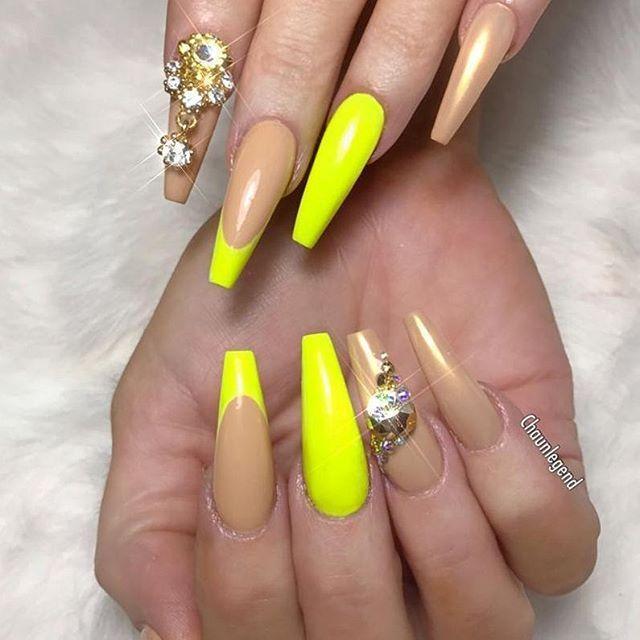 💛🥜💛🌟Gorgeous Neon Nude Nails by @chaunlegend🌟💛🥜💛  .  .  .  .  💅Check out more Nail Masters at @passion4nailartz  .  .  .  #Chicnails #neonail #nailaholic #nailartaddict #nailsoftheday #nails #nailart #nägel #uñas #爪 #naglar #unhas #unghie #paznokcie #ногти #nailswag #glitternails #nogti #釘子 #vegas_nay #manicura #negler #uñasdecoradas #notd #nailie #hudabeauty #neón #PASSIONATENAILTECHS #PASSION4NAILART #P4NA