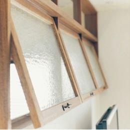 リノベーション / Bee (ガラスの室内窓)